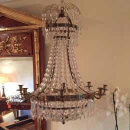 Ljuskrona för åtta ljus + ett stödljus. Karl Johan, 1830-40- tal.