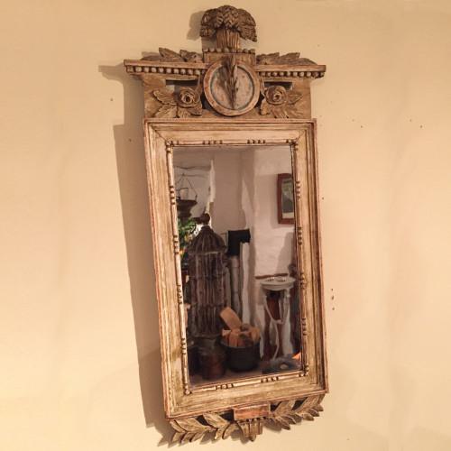 Sengustaviansk spegel från sent 1700-tal.