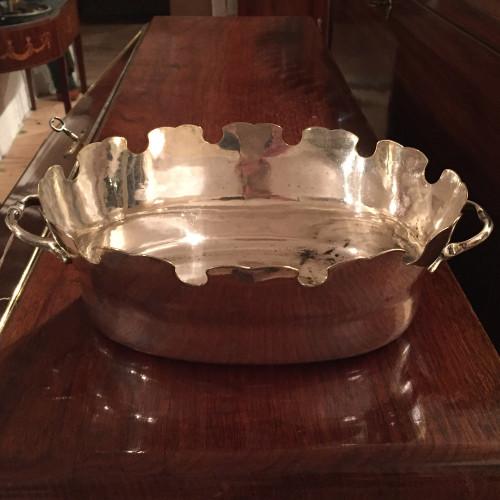 Försilvrad glassköljare i rokoko från 1700-talets andra hälft.