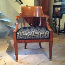 Sengustaviansk skrivbordsstol